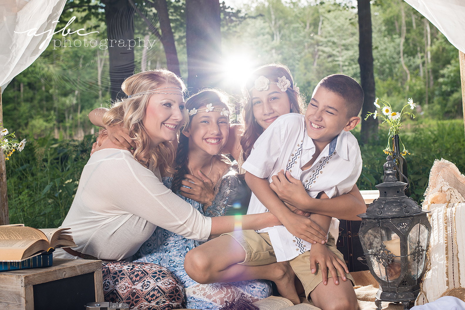 ajbcphotography-porthuron-michigan-family-photographer-outdoors-picnic-brother-sister-mother-portraits-child-photographer-family-fun.jpg