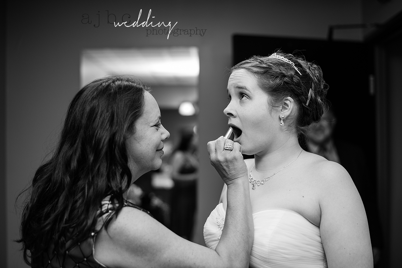 ajbcphotography-port-huron-michigan-wedding-photographer-love-bride-groom-family-michigan-wedding-photographer-before-getting-ready.jpg