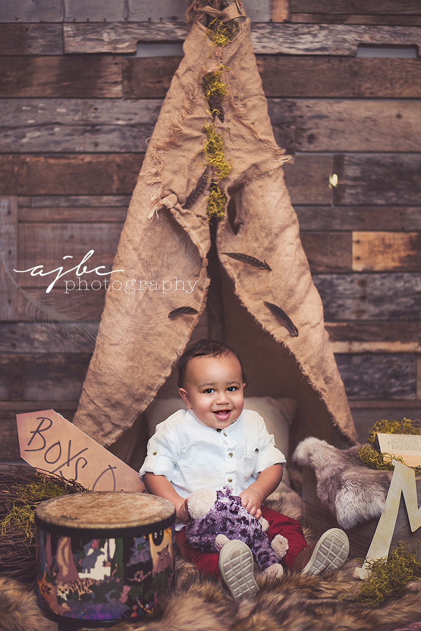 london ontario little kid in a teepee.jpg