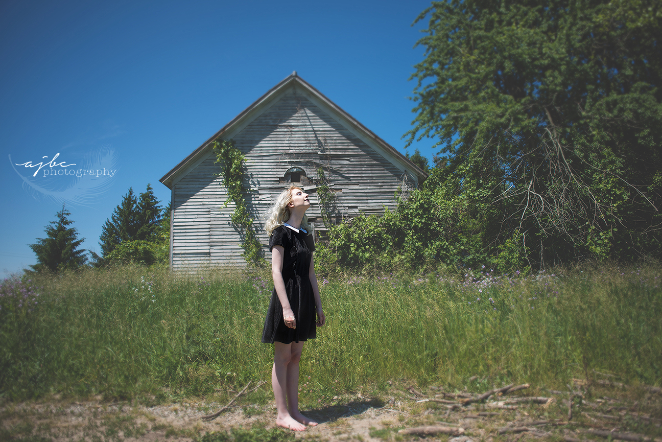 outdoor summer photoshoot detroit michigan.jpg