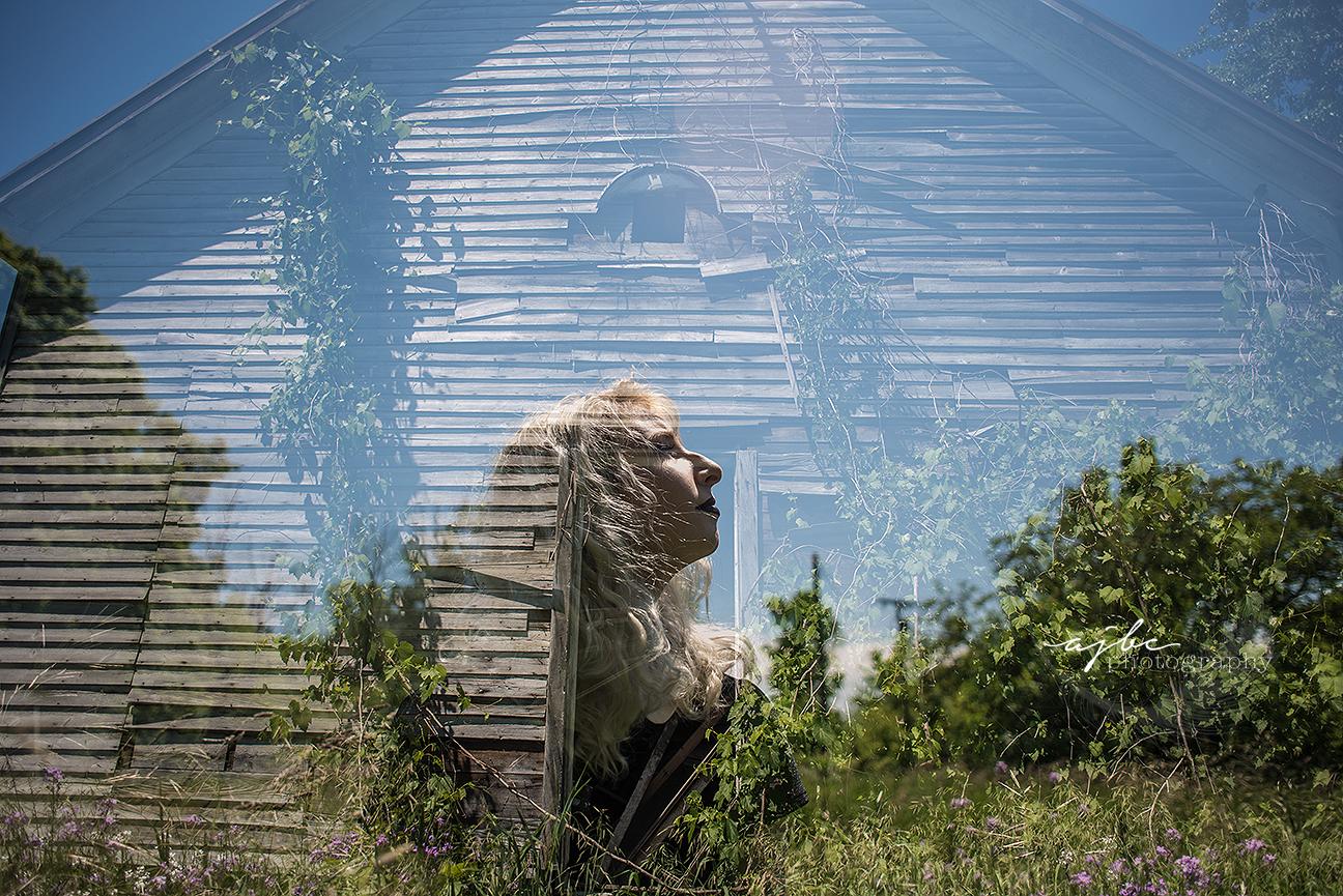 artistic photoshoot in abandoned home michigan.jpg