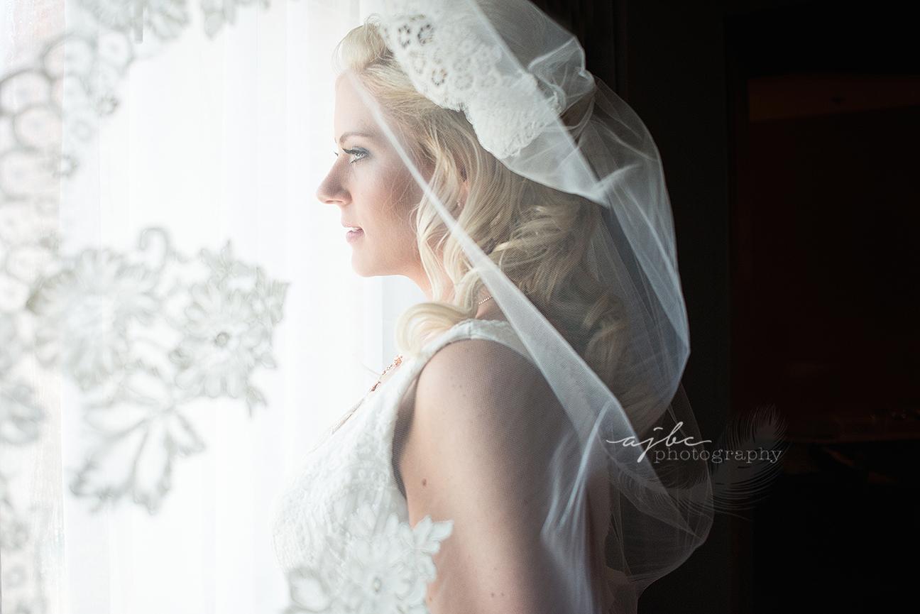 bride getting ready photos.jpg