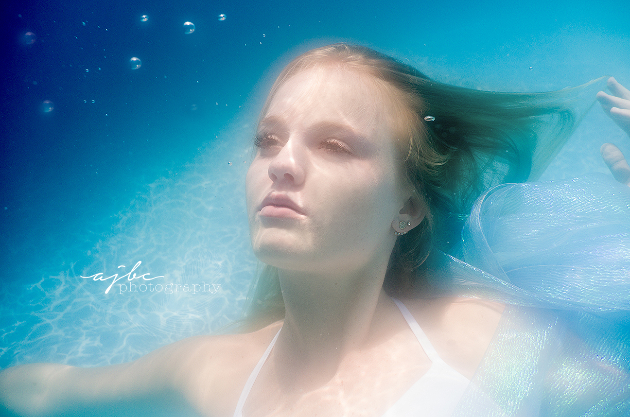 gorgeous underwater photoshoot detroit michigan.jpg