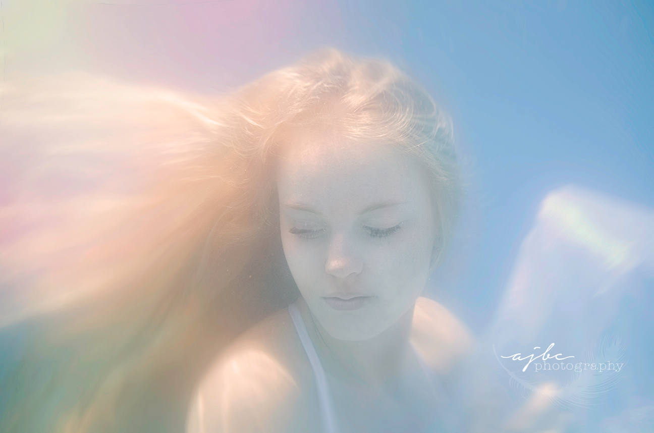 underwater model underwater photography michigan.jpg
