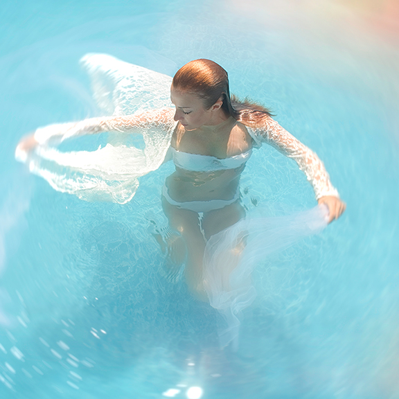 underwater photoshoot beauty photographer.jpg
