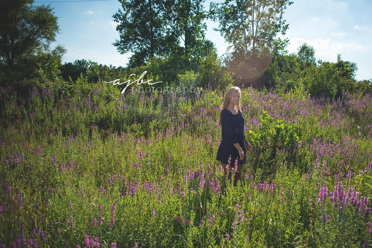outdoor senior photographer.jpg