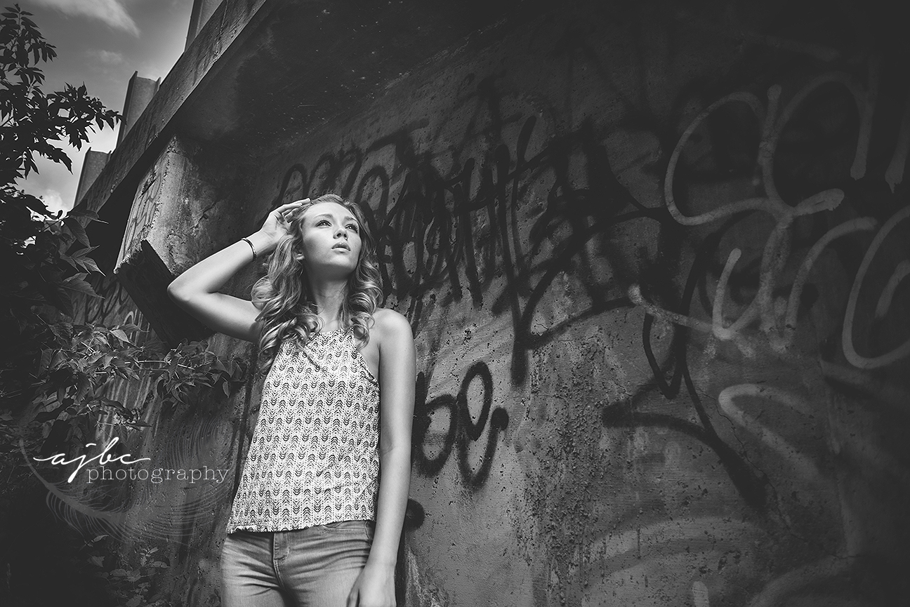 senior fashion outdoor photoshoot senior girl photographer.jpg