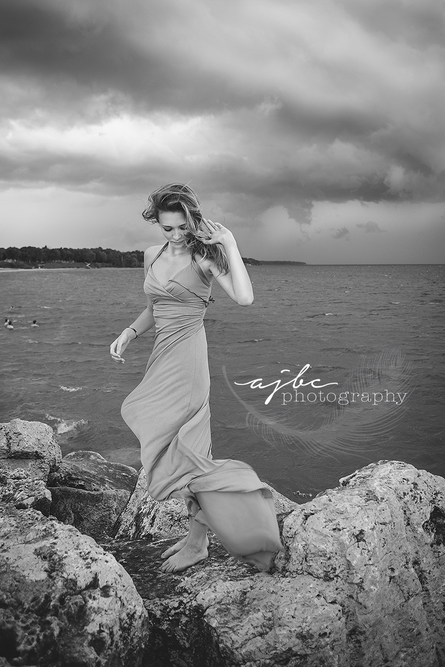 senior photoshoot in lexington michigan on the beach.jpg