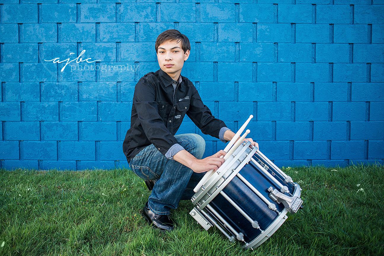 outdoor senior boy photos michigan senior photographer.jpg