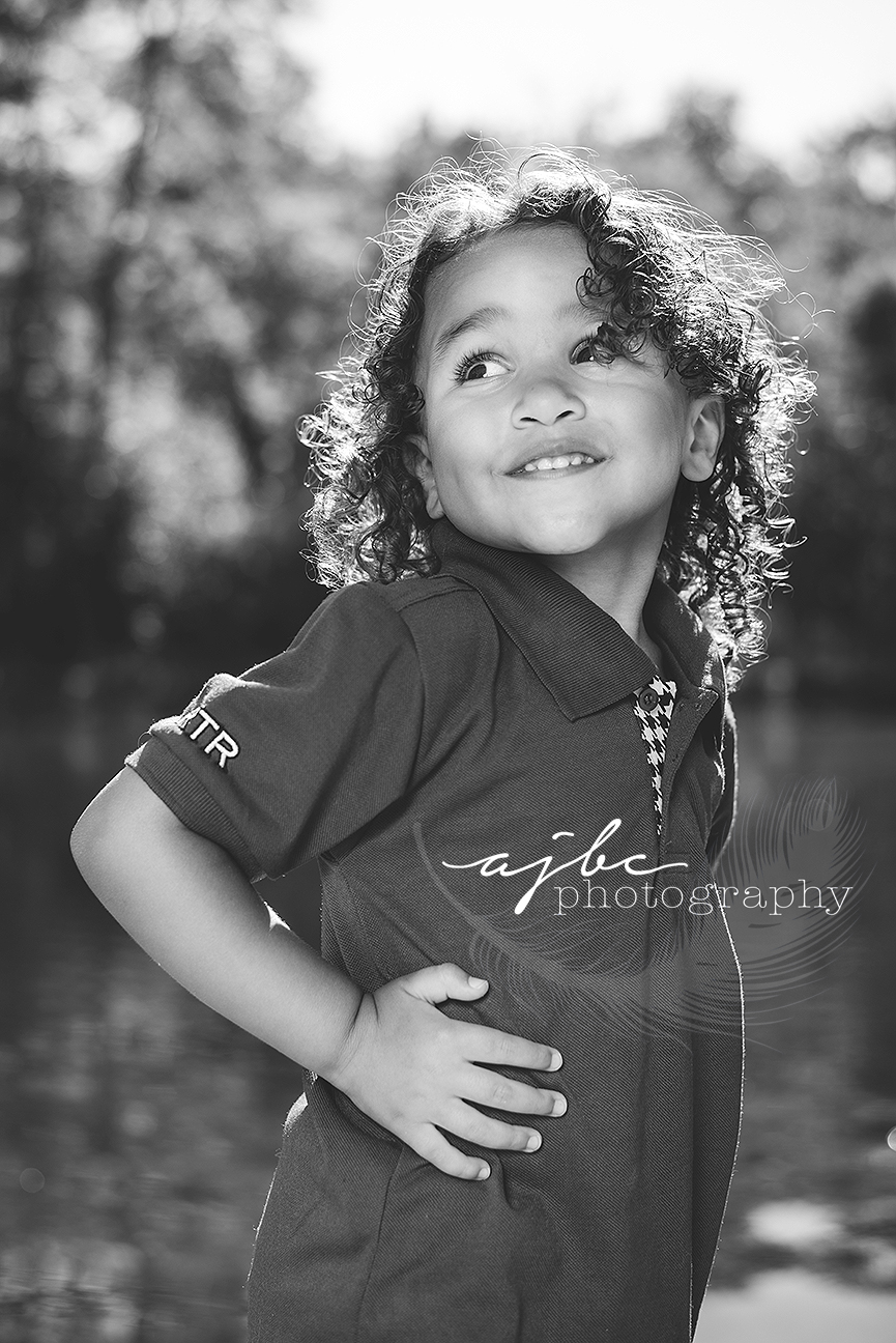 outdoor family photoshoot michigan toddler photographer.jpg