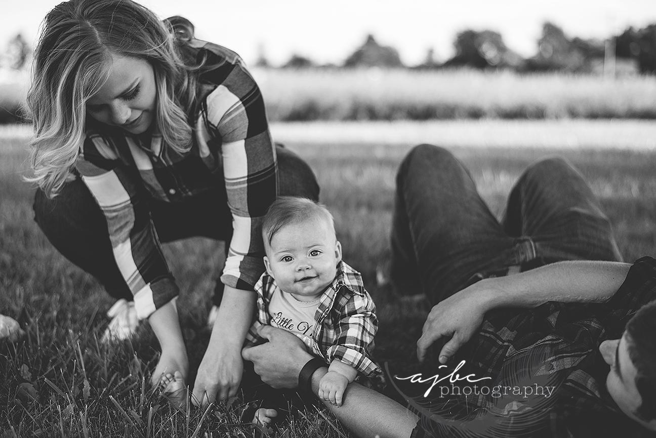 port huron michigan family photographer gorgeous outdoor family session michigan photographer.jpg