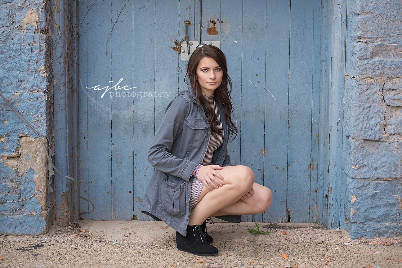 downtown grungey senior photoshoot high fashion senior photoshoot senior girl photographer .jpg