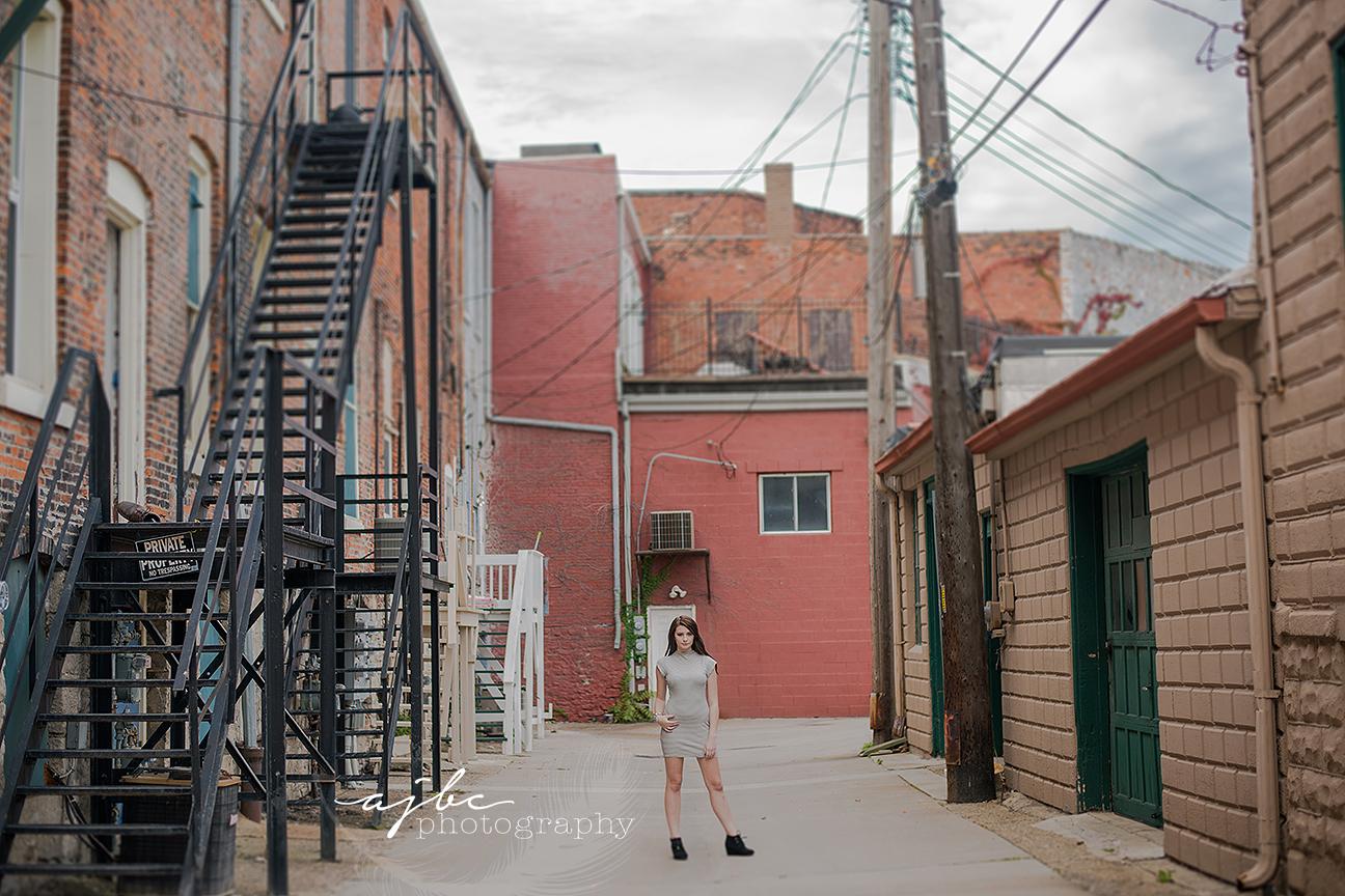 grungey downtown senior photoshoot beauty high fashion senior detroit michigan senior girl photographer.jpg