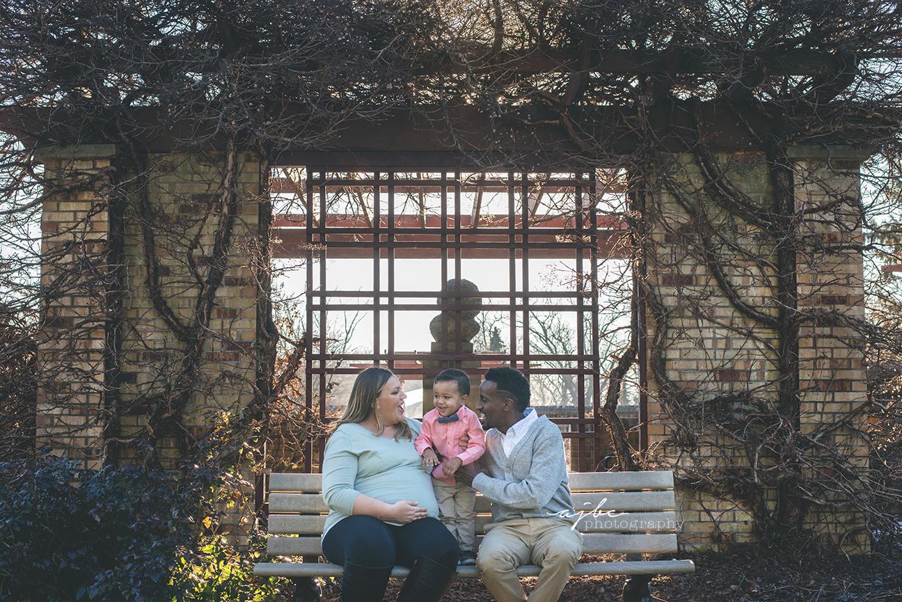 london ontario maternity photographer outdoor family photoshoot.jpg