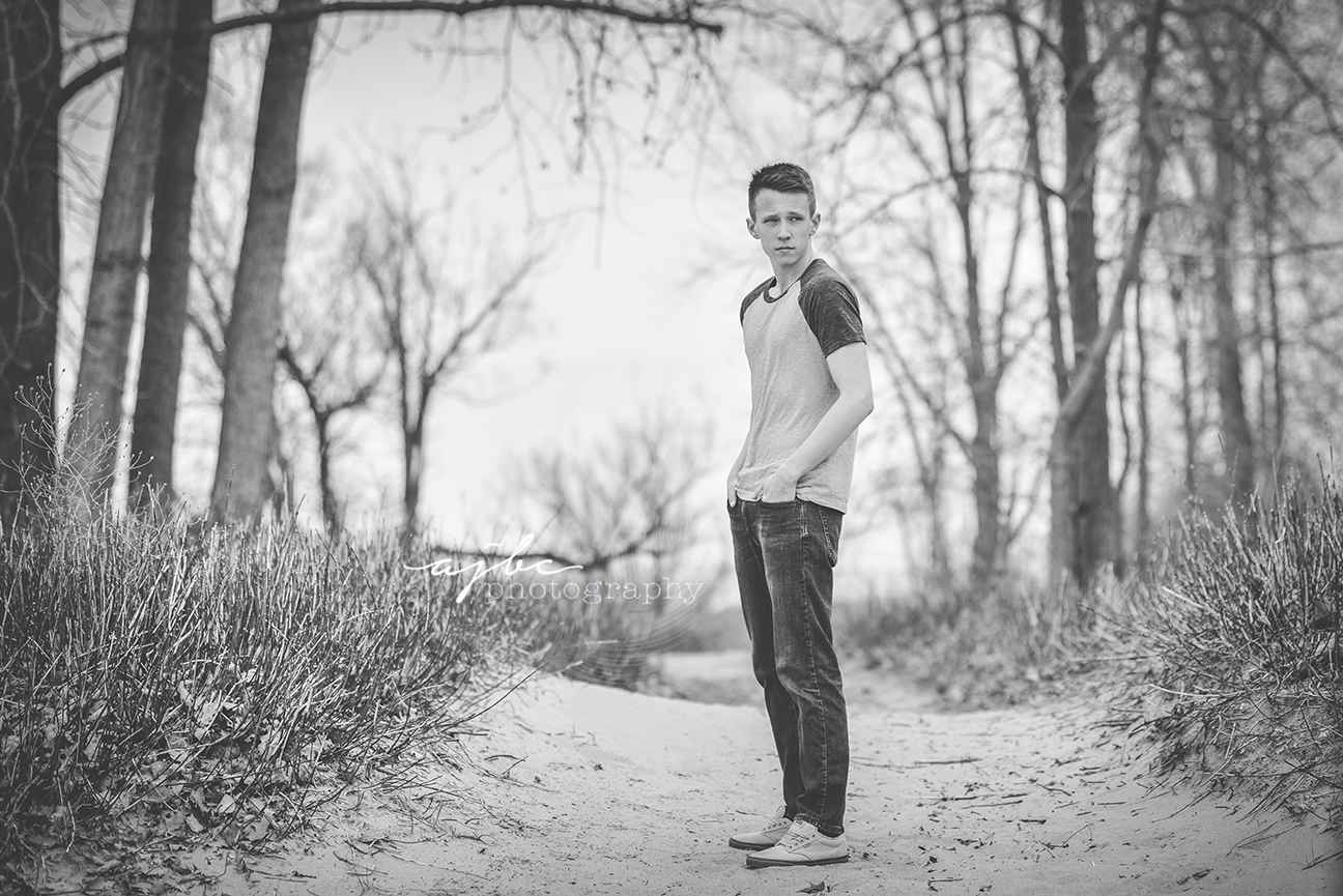 natural candid senior photoshoot fort gratiot beach senior photographer.jpg