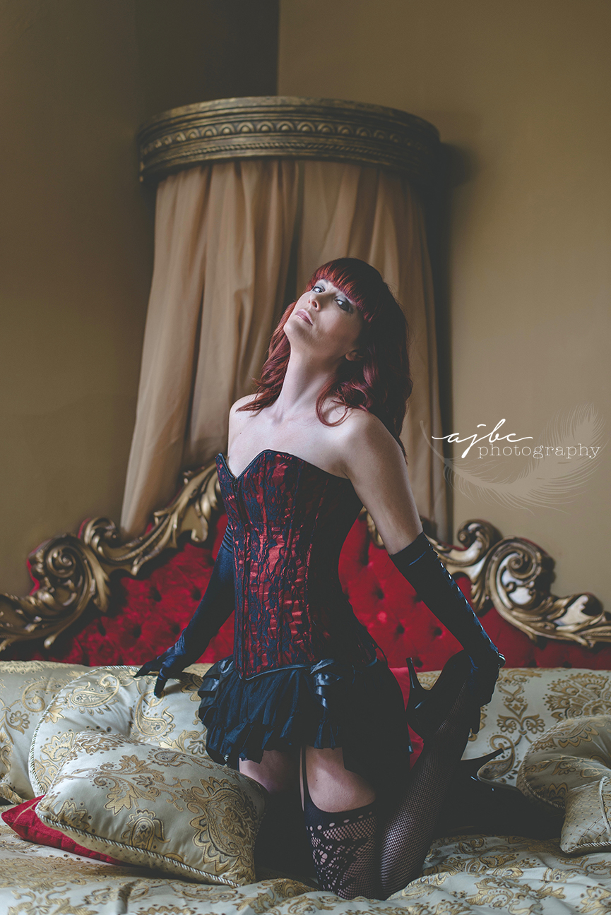 photoshoot in historic mansion michigan beauty photographer.jpg