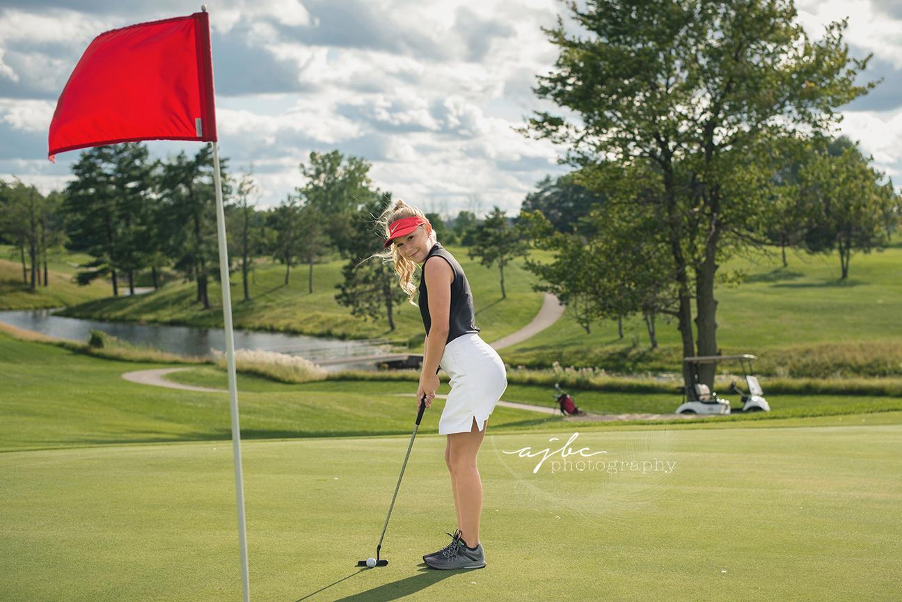 lakeview hills golf resort lexington michigan senior girl photographer.jpg