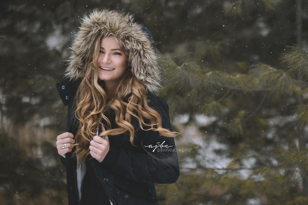outdoor natural winter senior photographer.jpg