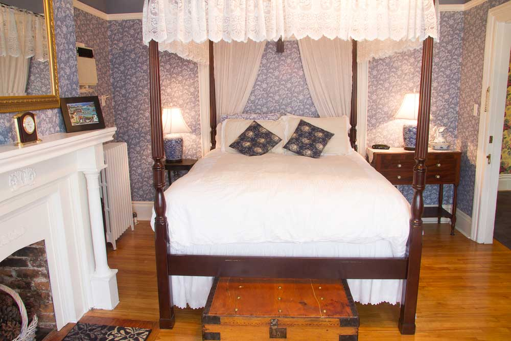 THE INN ROOMS -