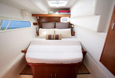 leopard-46-cabin.jpg