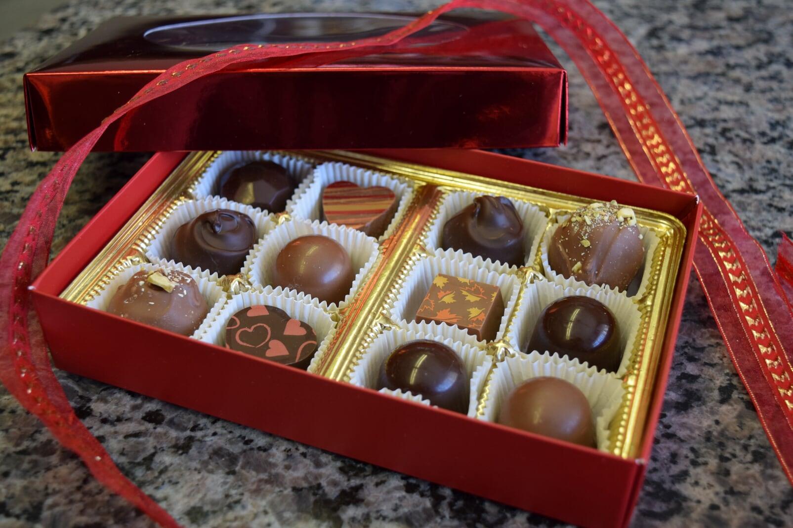 valentine's truffles.JPG