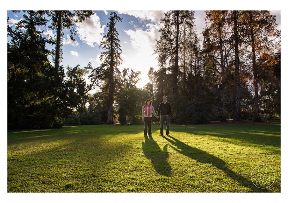04_SuzyIssac_HuntingtonLACMA_EngagementPhotography_sharpened(pp_w960_h677).jpg