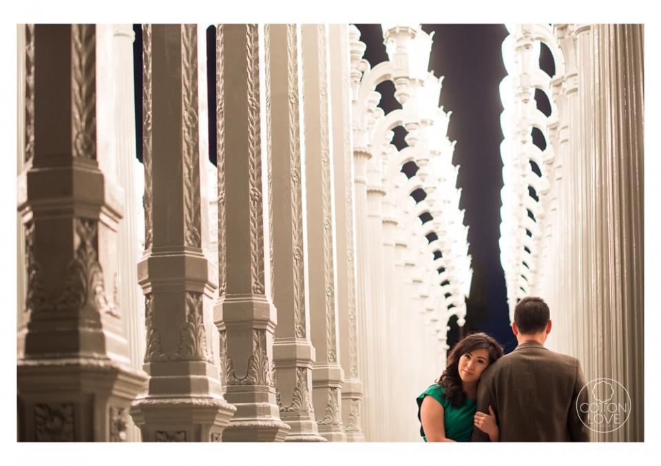 15_SuzyIssac_HuntingtonLACMA_EngagementPhotography_sharpened(pp_w960_h677).jpg
