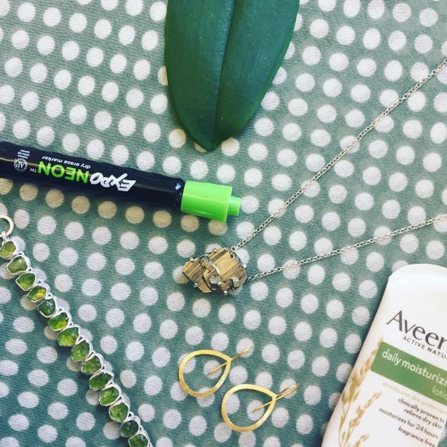 Happy Humpday 🐢 ft. our peridot bracelet, pyrite necklace, teardrop earrings & dotty scarf in sage 💚 #sterlingsilver #textiles #jewelry #flatlay #humpday #wednesdayvibes