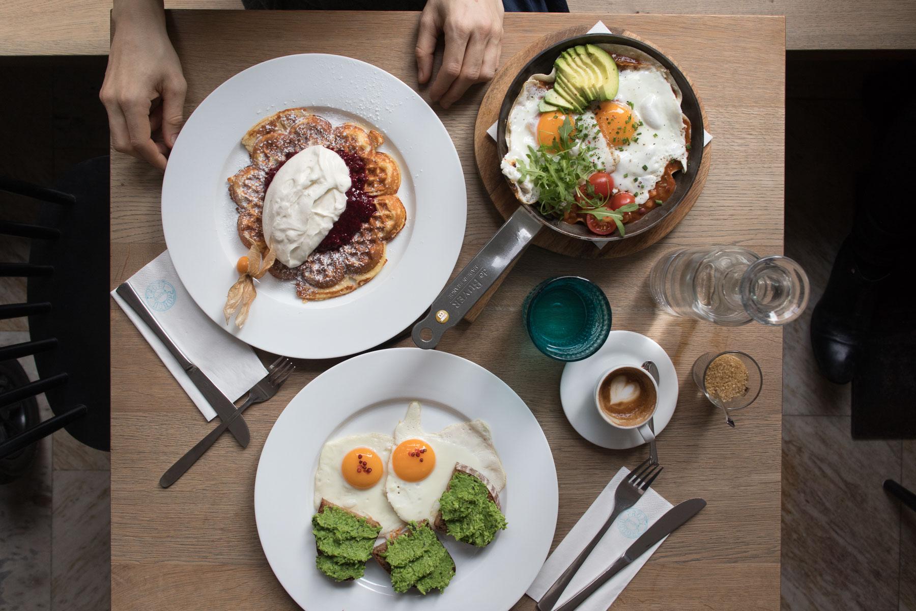 Breakfast at Proti proudu, Prague