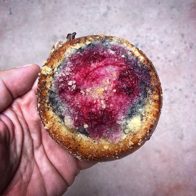 Our #kolachehunt is a struggle that will never end. But before we find that unicorn of a kolache that is as good as Zuzi's grandma's, this will do in the meantime. Poppy seeds forever! #tasteofprague #kolache
