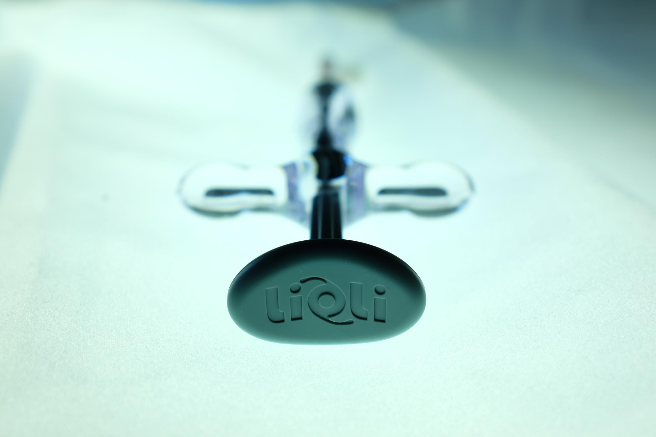 Ergonoamic Design of the lioli™ IOL Injector