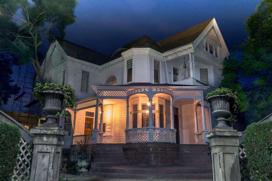 1885-Queen-Anne-Style-Home.jpg
