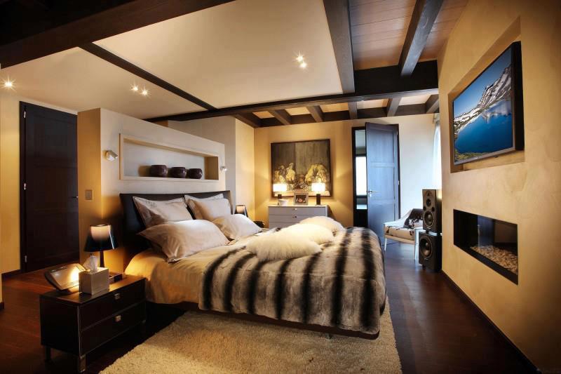 bedroom cozy.jpg