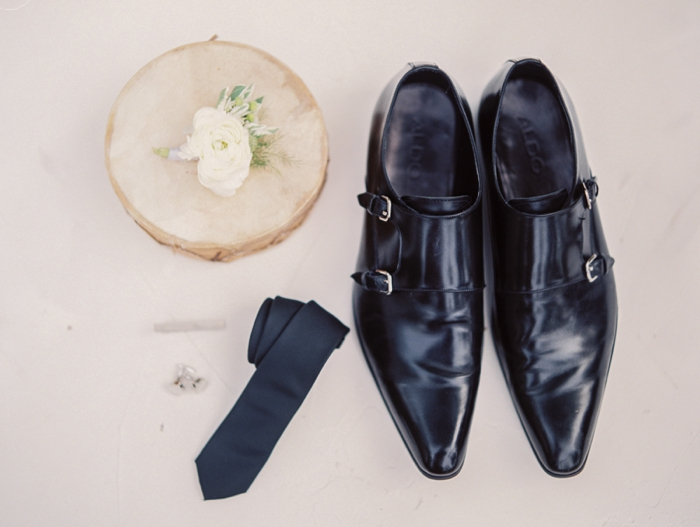 chic-groom-accessories.jpg