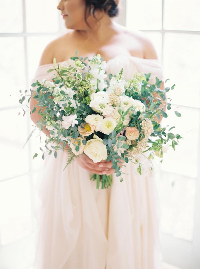 Lindsey Zamora Austin bridals at Laguna Gloria
