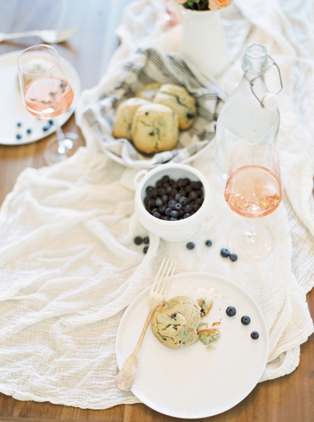 Styled breakfast engagement by Lindsey Zamora