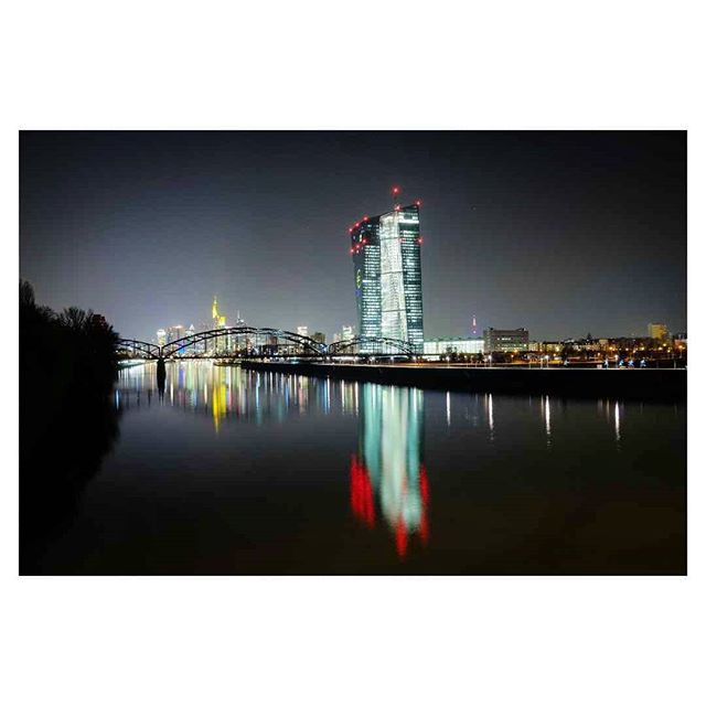 #luminale . . . #frankfurt #tbt #skyline #darkisthenight #black #architecture #light #main #ecb #lightbro #frankfurtdubistsowunderbar #weroamgermany #skyscraper #igersgermany #visitgermany #ffm #europe