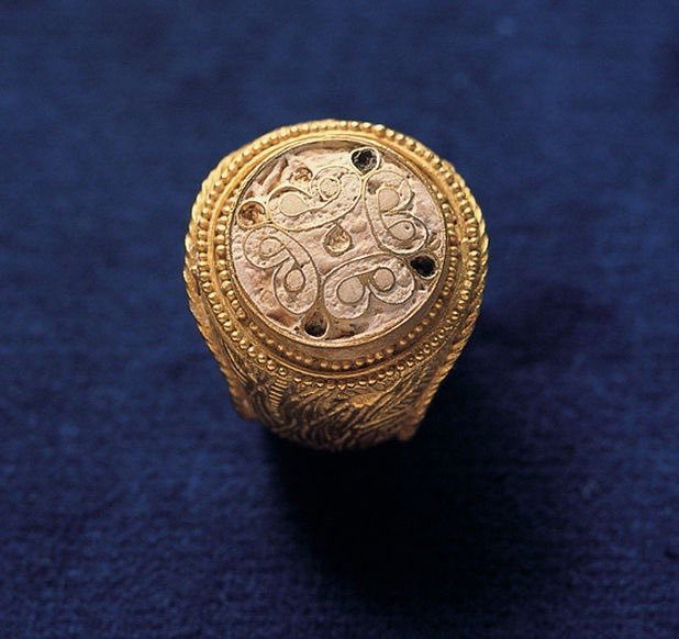 1 of 6 rings from Cyprus, 13th century bc Mycenaean tomb of Kouklia