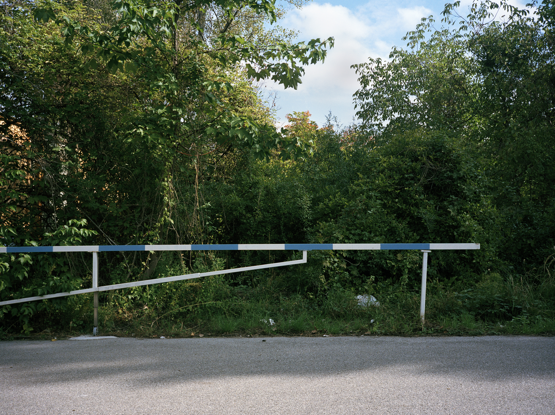 Austria_Empty_Gate.jpg