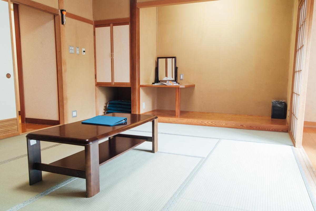 2015-08-19-Guest-Rooms-03117-1200.jpg