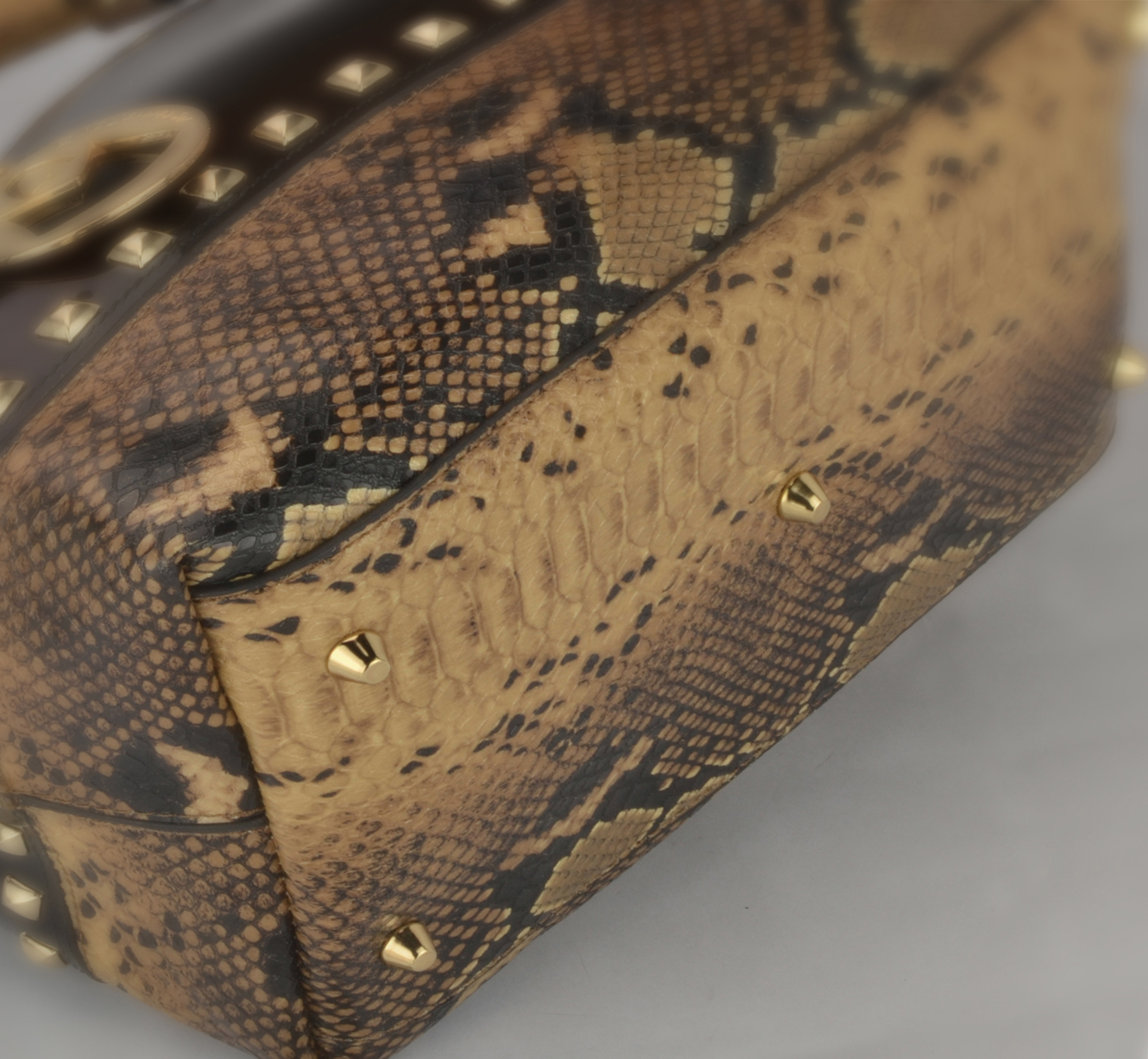 AMANI brown Jessie Style Doctor Handbag closeup image