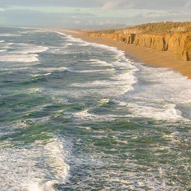 Headed back to the Oregon Coast tomorrow 💆🏻♀️〰️👉🏻 • • • • #oregon #oregonexplored #pnw #traveloregon #liveyouradventure #pacificnorthwest #pnwonderland #bestoforegon #upperleftusa #exploreoregon #exploregon #oregonnw #oregoncoast #cascadiaexplored #northwestisbest #youroregon #pnwlife #thatpnwlife #pnwcollective #nw #northwest #pnwdiscovered