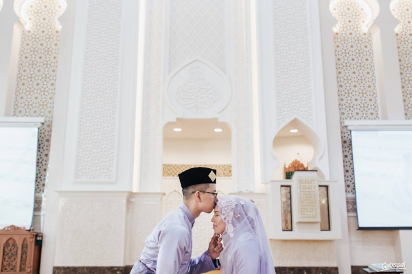 Photo Captured By  Colossal Weddings
