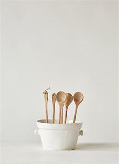 10%22 hand carved mango wood spoon b.jpg
