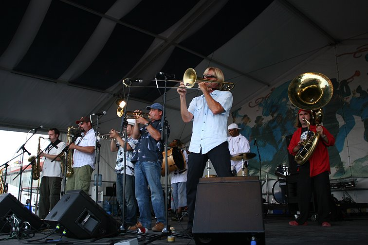 Nightcrawlers_Brass_Funk_Magnolia_Entertainment_New_Orleans_NOLA_Music_Booking_Talent_Agency_trombone_trumpet_saxophone_sax_tuba_drums