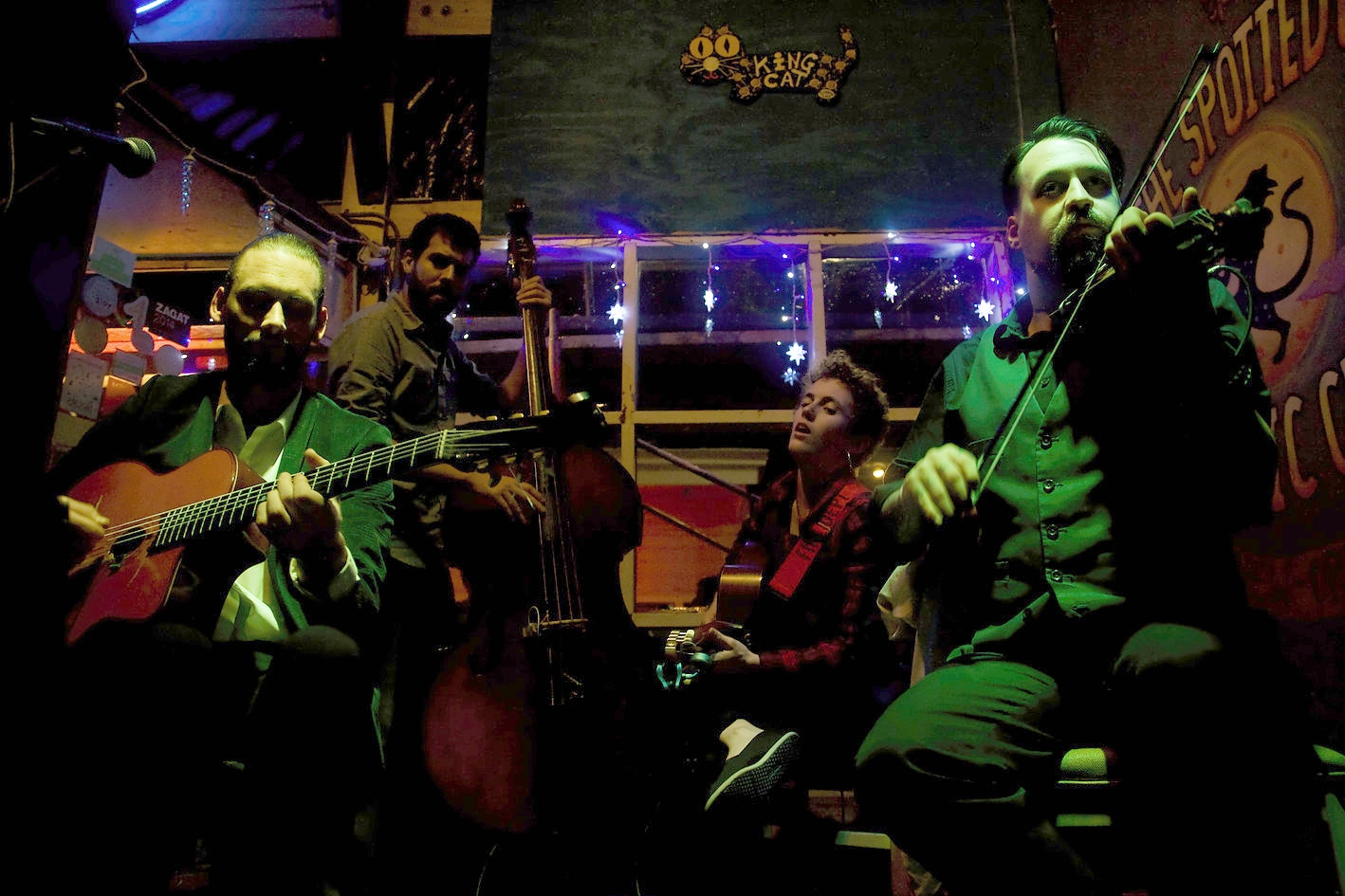 Showarama_Gypsy_Jazz_Magnolia_Entertainment_New_Orleans_NOLA_Music_Booking_Talent_Agency_guitar_Django_Reinhardt_Stephan_Grapelli_Russell_Welch