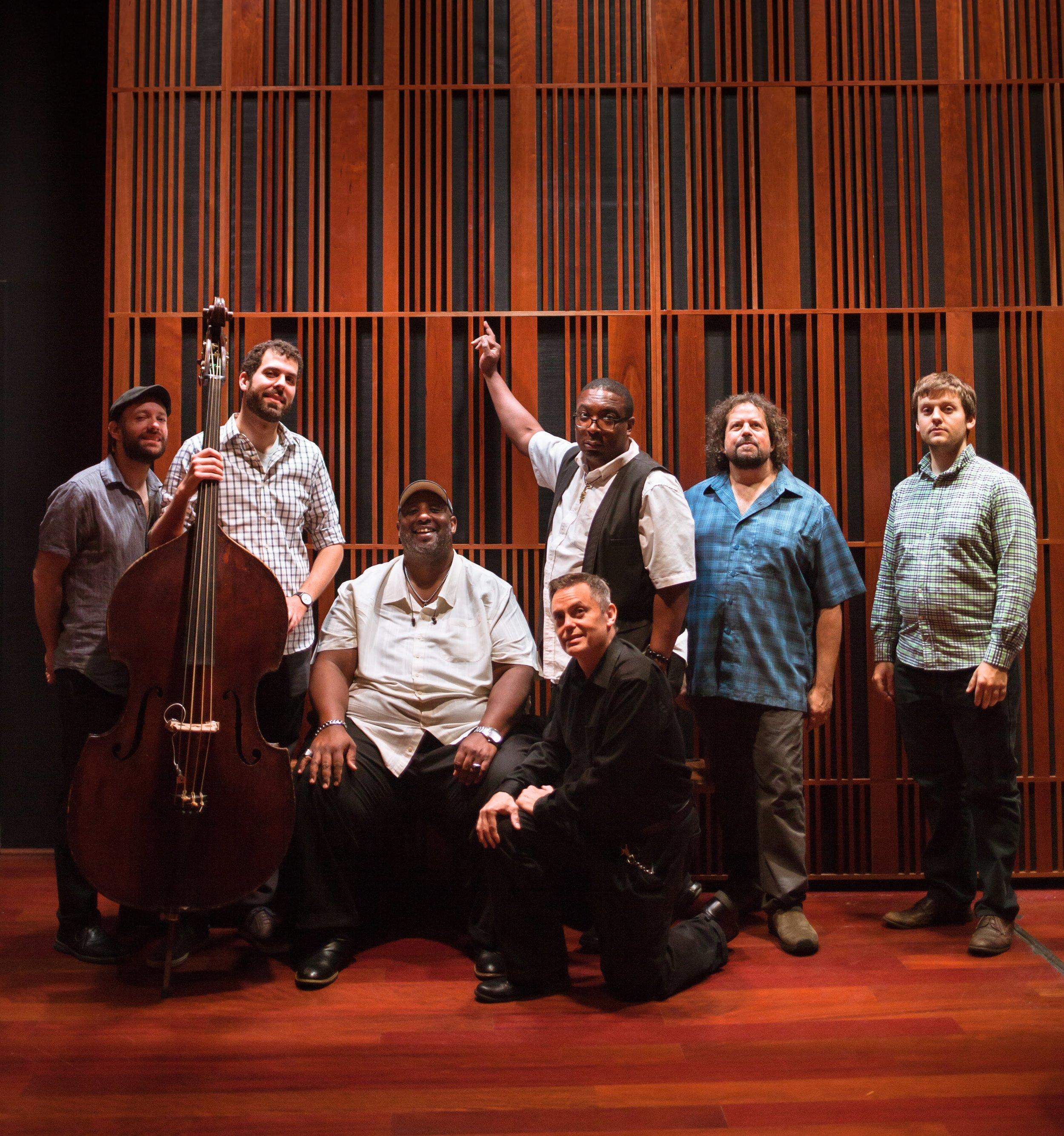 new_orleans_catahoulas_full_band_pose_magnolia_entertainment