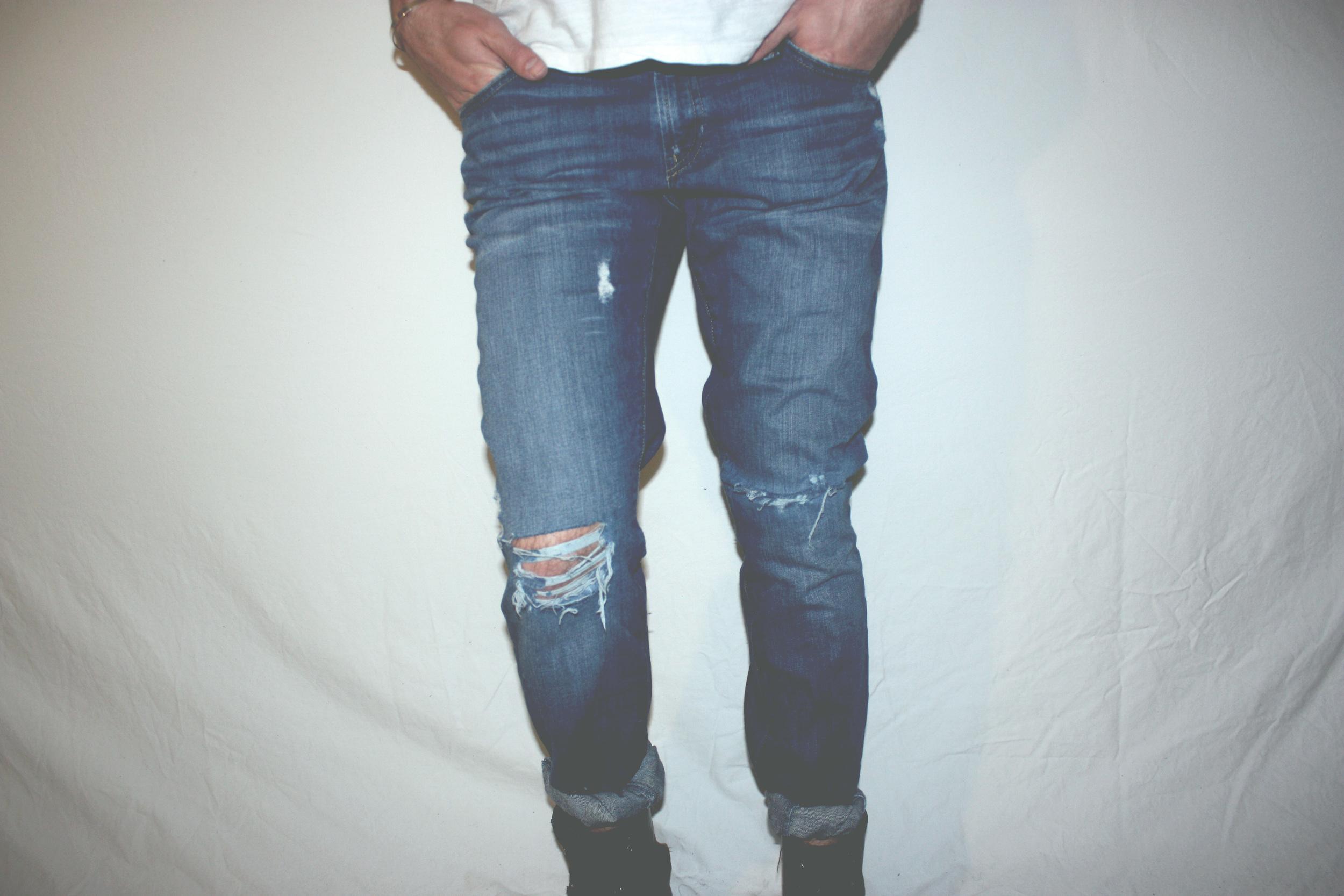 Diy Distressed Boyfriend Jeans Erik Anderson