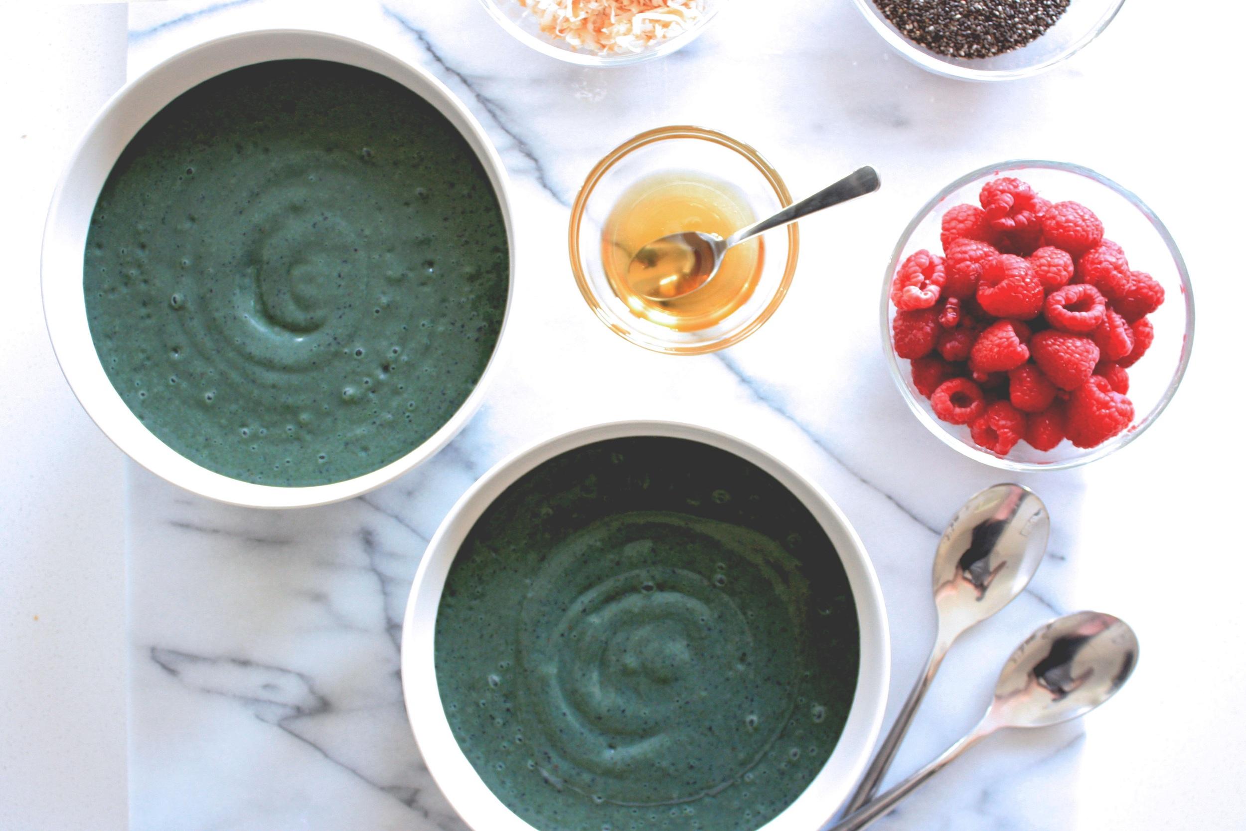 green-smoothie-bowl-recipe.jpg