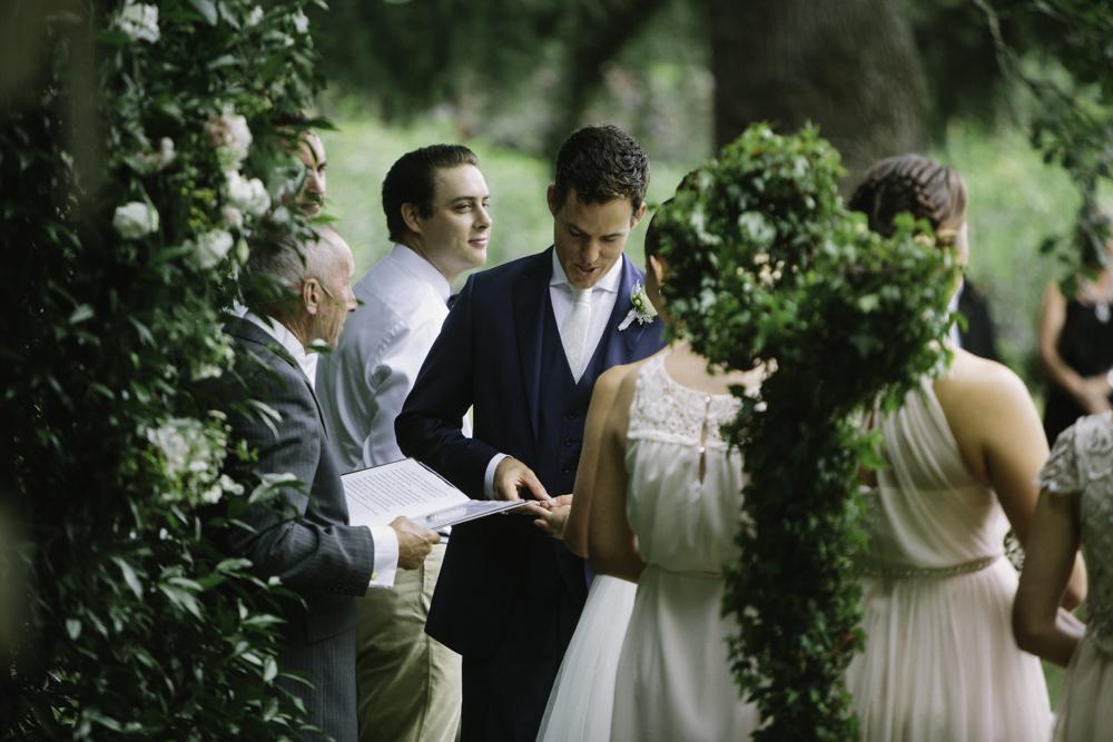 new_zealand_desination_wedding_photography_garden_romantic-1054.jpg